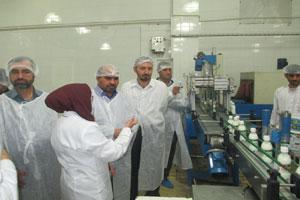 بازدید مدیر کل صدا و سیمای مرکز کرمان از شرکت شیر پگاه کرمان